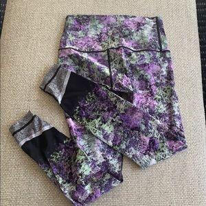 Size 8 Lululemon Yoga Pants, Great Pattern